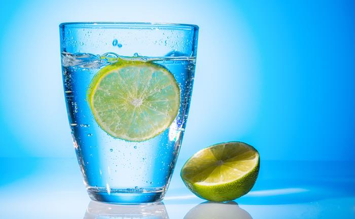 Αποτέλεσμα εικόνας για νερό λεμόνι