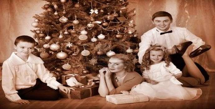 family-christmas-tree-black-and-white-retro
